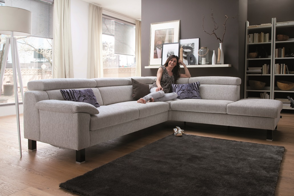Garnituren und sofas m bel graf for Badezimmer garnituren